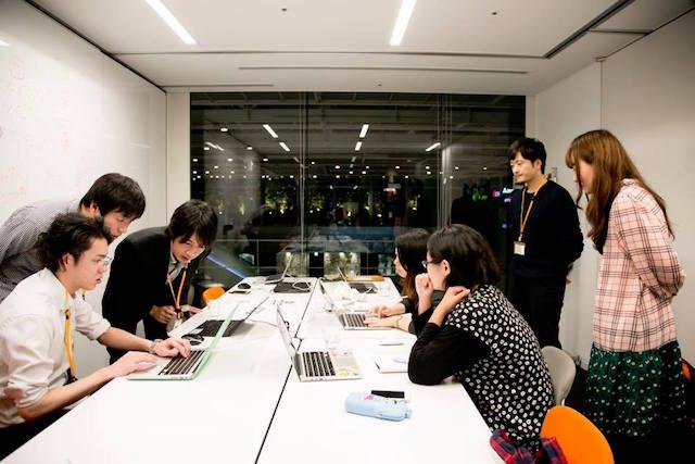 メンバーと企画中 大阪 あべのハルカス クリエイター200人祭り